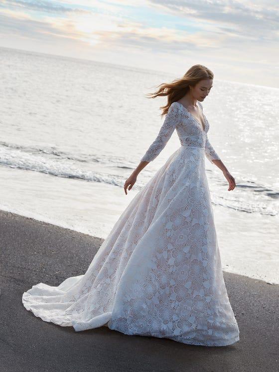 parte delantera vestido novia a line escote pico artemide
