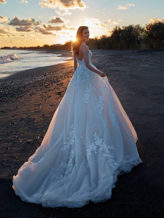 parte trasera vestido novia princesa escote corazon espalda descubierta calipso