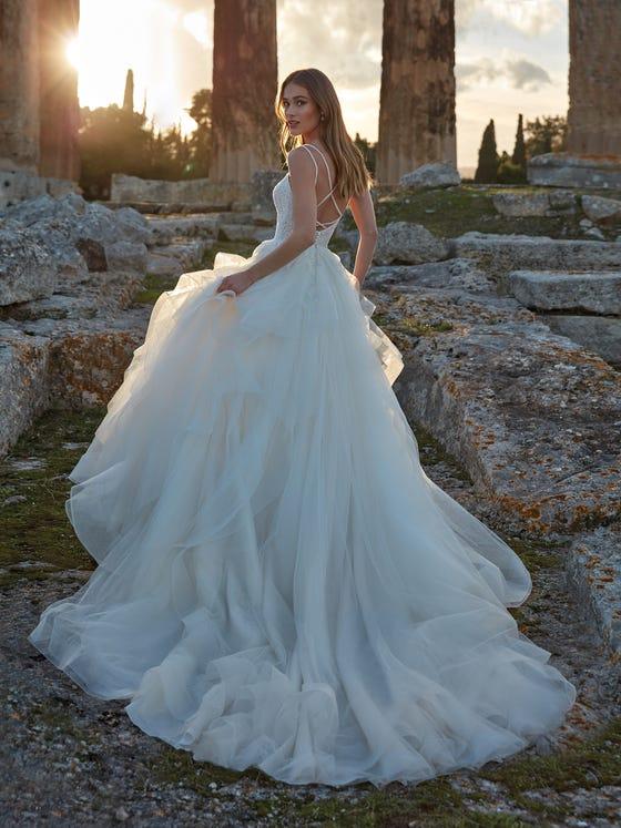 parte trasera vestido novia princesa escote pico damkina
