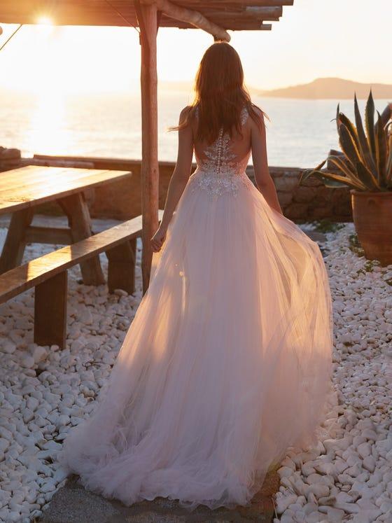 parte trasera vestido novia evasé goro