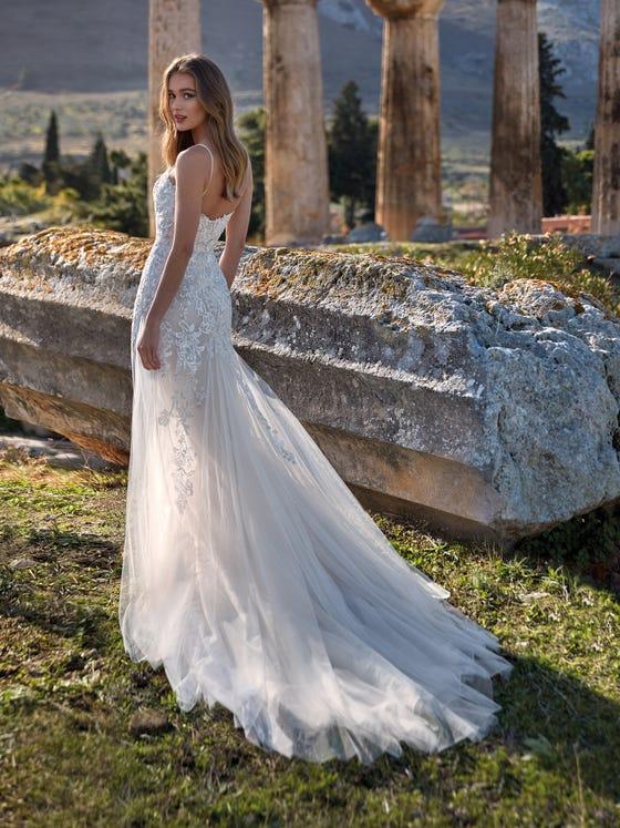 parte trasera vestido novia sirena escote pico horta
