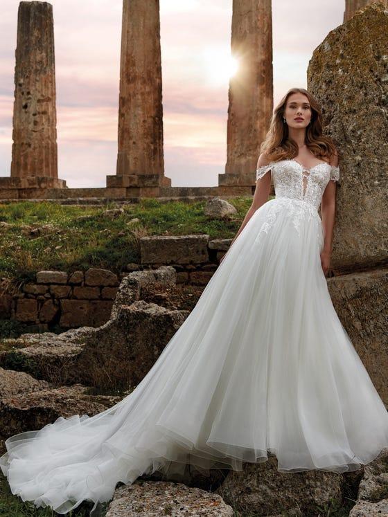 parte delantera vestido novia princesa escote pico espalda descubierta iride