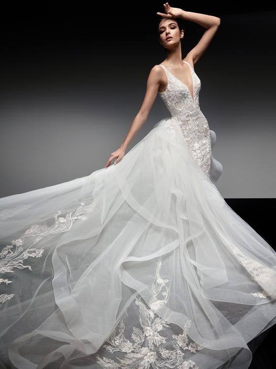 parte delantera vestido novia sirena escote pico espalda descubierta mirach